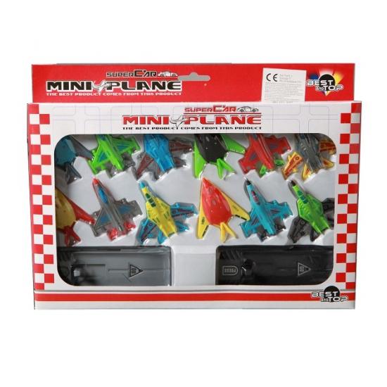 12 speelgoed vliegtuigjes met afschiet systeem
