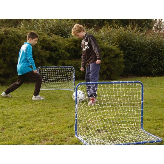 Blauwe metalen voetbal doel 78 x 56 cm