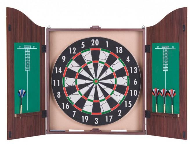 Dartbord in kastje met 6 pijlen