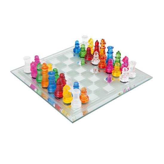 Glazen schaakspel gekleurd