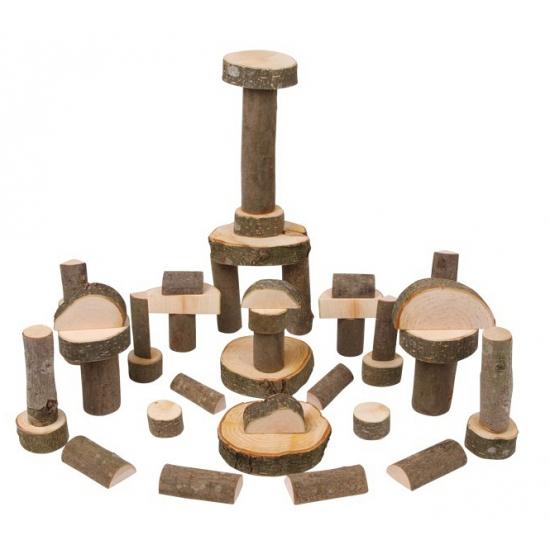 Houten bouwblokken met schors
