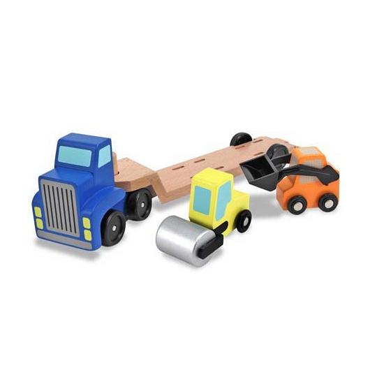 Houten vrachtwagen met dieplader