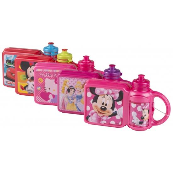 Lunchbox en beker met plaatjes van Hello Kitty