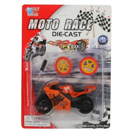 Speel oranje motortje voor kinderen