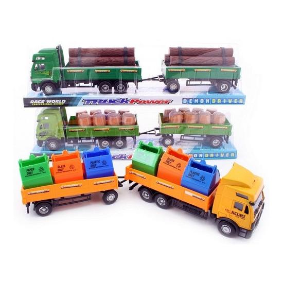 Speelgoed vrachtwagen geladen met hout