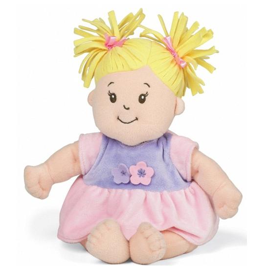 Stoffen pop baby met roze jurkje en blonde staartjes