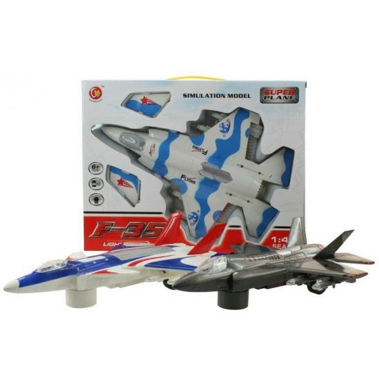 Vliegtuig wit met blauwe straaljager met licht en geluid