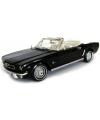 Modelauto ford mustang cabrio 1964
