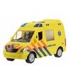 Plastic ambulance met licht en geluid 22 cm